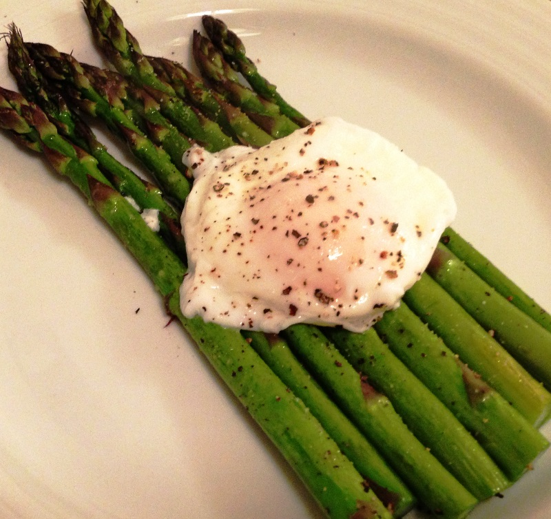 Asparagus with Poached Egg (2)