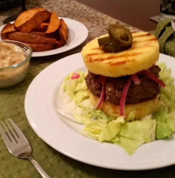 Grilled pineapple bunless burger for during the week
